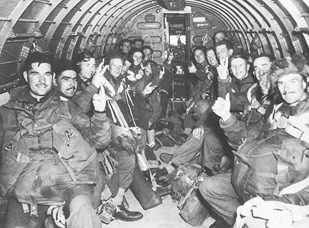 poi018-british-paratroopers-on-the-way-to-arnhem.jpg
